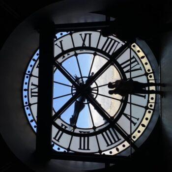 Tik tok around the clock